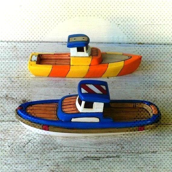 Trophy und Bosun Wooden Toy Boats -