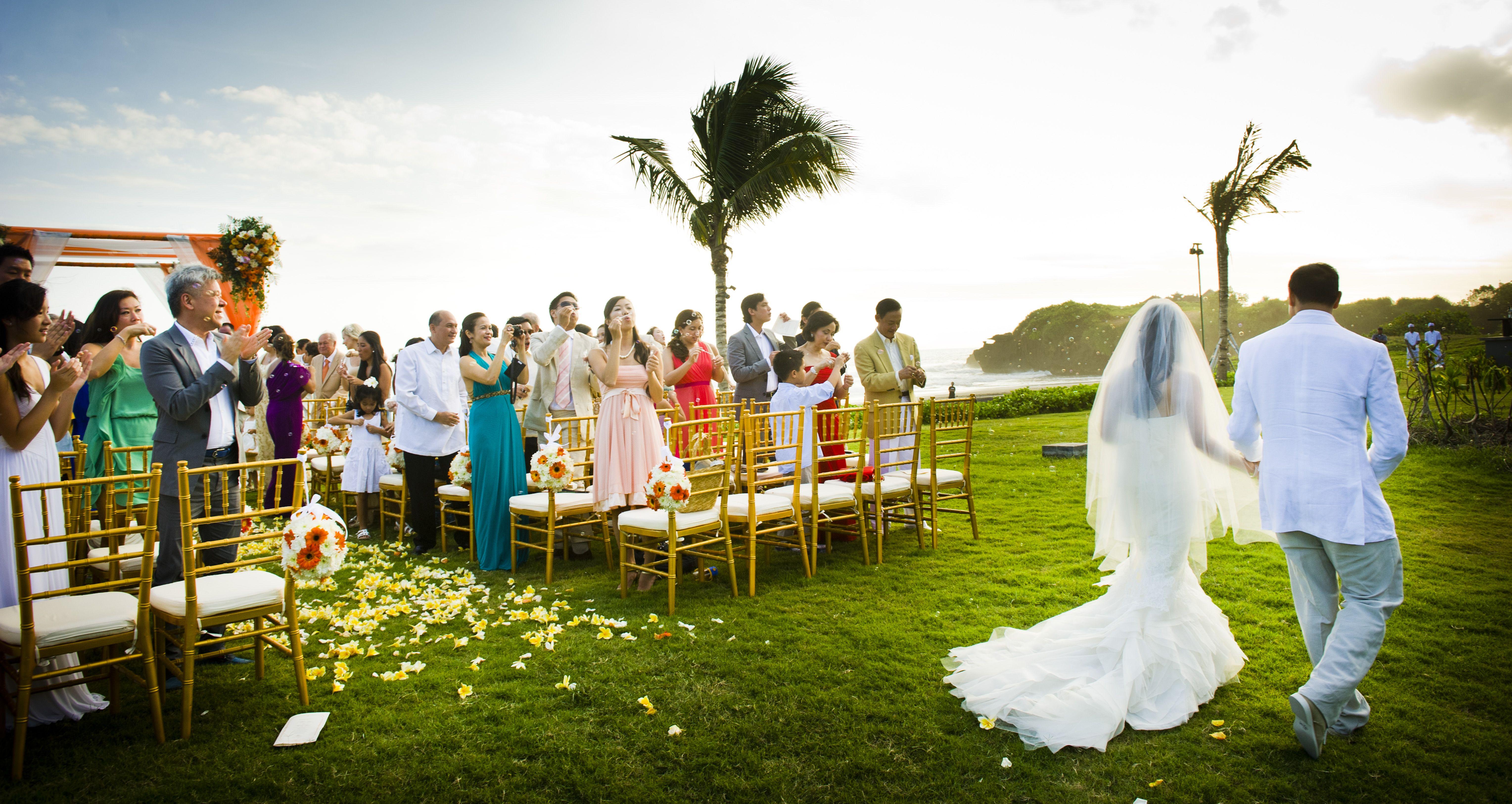 A joyfully colorful wedding #colorful #wedding #couple #beautiful #bride #groom #beachwedding #beach #bali #indonesia #alilavillassoori #alilahotels