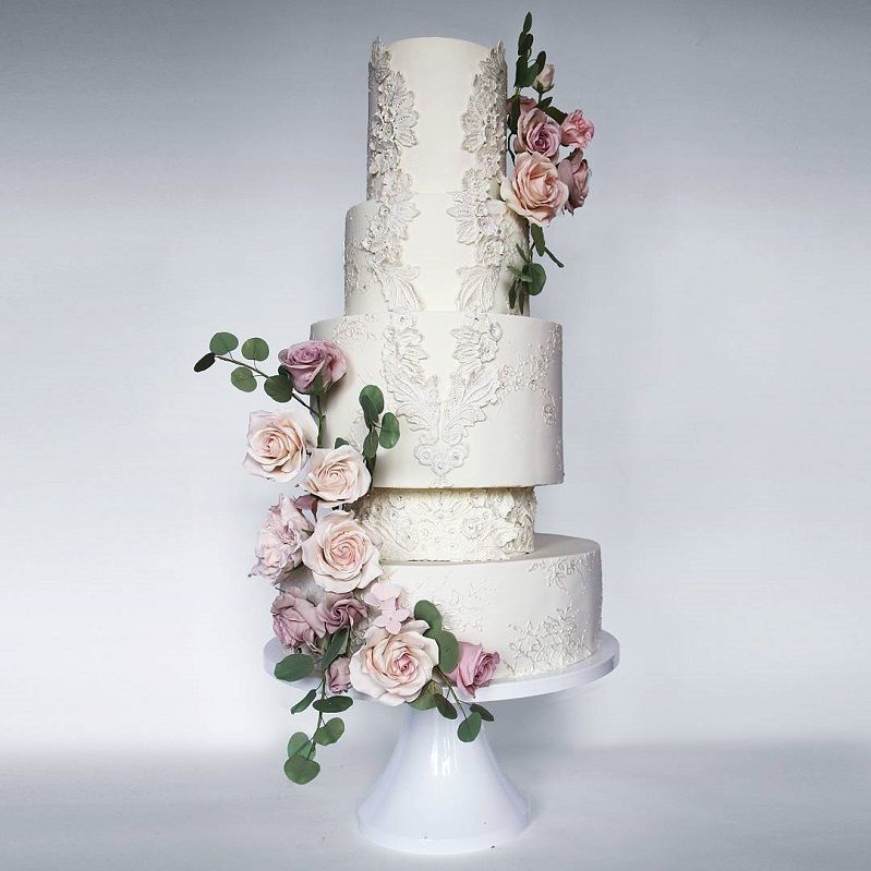 22 Beautiful wedding cakes to inspire you : Wedding cake with intricate detailing