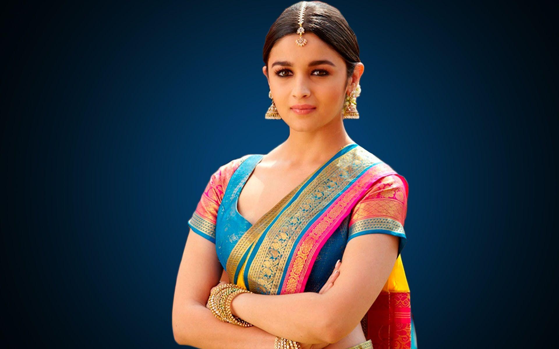 Alia Bhat Look Gorgeous With An Indian Silk Sarees Httpwwwodishasareestorecomhome Silk Saree