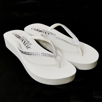 26.67$  Watch here - http://vitlz.justgood.pw/vig/item.php?t=5lnohpg28277 - *Sunshine ~ Low Heel White Wedge Flip Flops with Crystal Straps