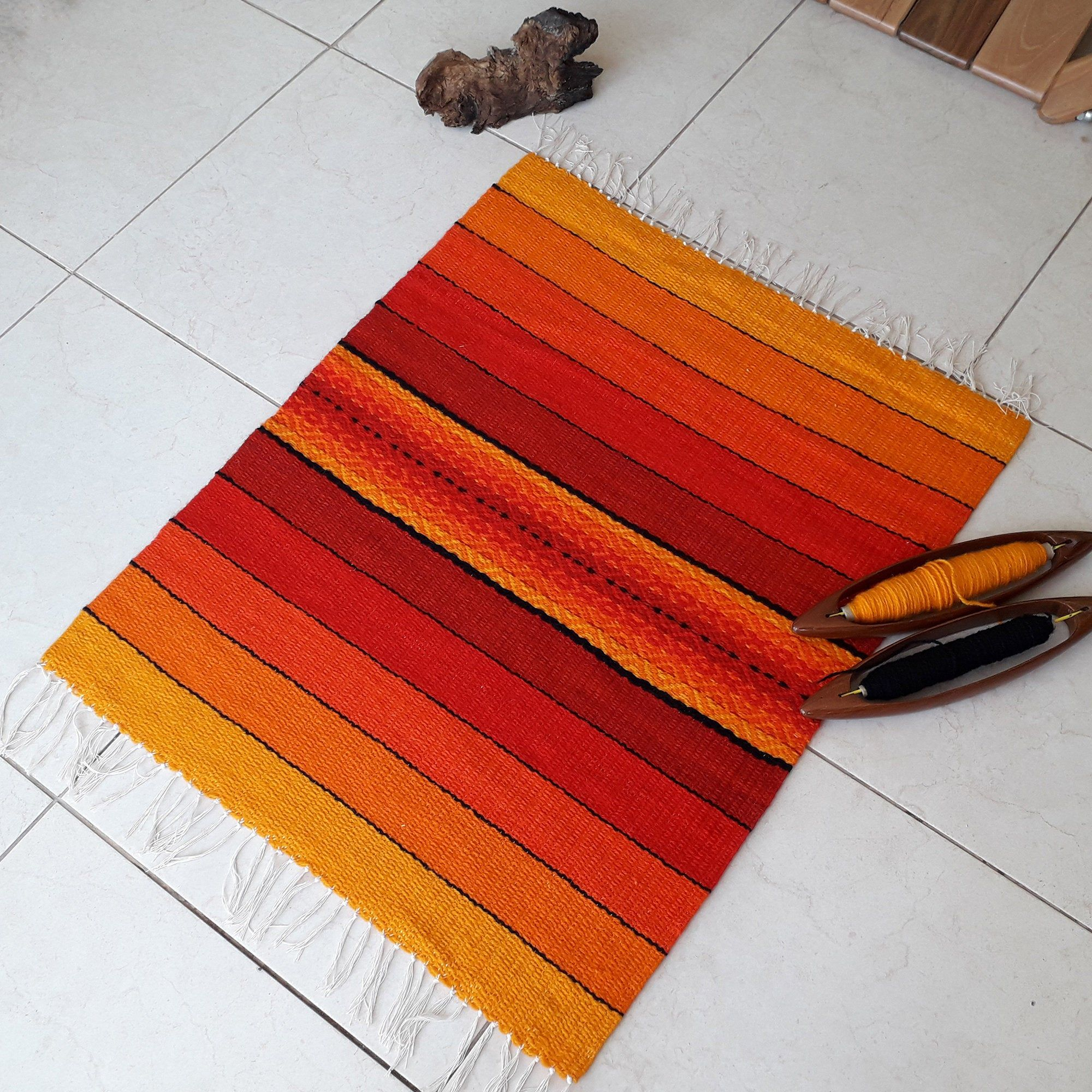 Bohemian Accent Rug In Red Orange