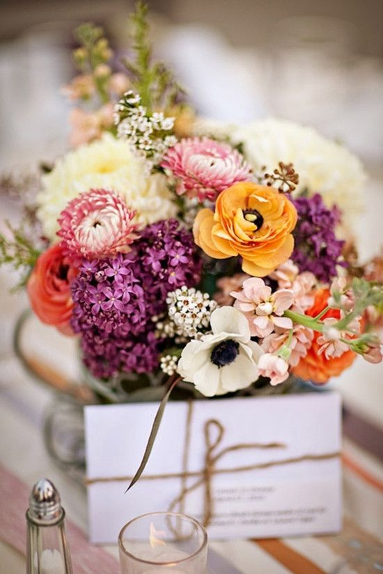 Fall wedding table decorations flowersg 550825 centerpieces today were going to share some wedding flower ideas for fall wedding themes both bridal bouquets and wedding decorations such as table centerpieces junglespirit Image collections