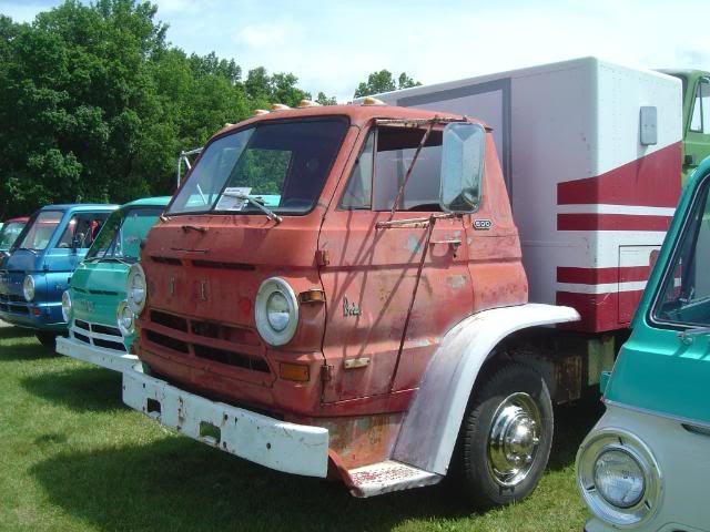 1969 Dodge L600 Tilt Cab Dodge Trucks Old Dodge Trucks Medium Duty Trucks