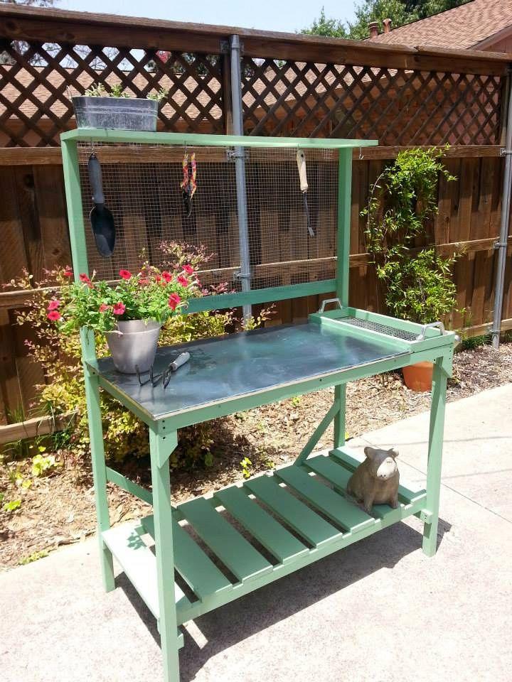 Recycled Pallet Potting Bench Idea   Pallet potting bench, Pallets ...