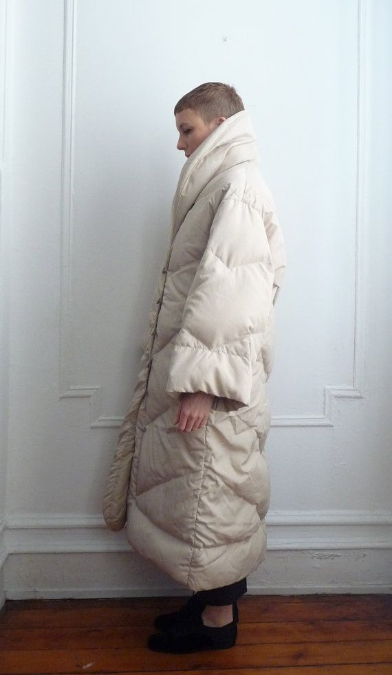 f01d5b93d1b Bill Blass off white down puffer coat. Like wearing a comforter. Super  Warm. Size 10.