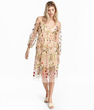 Puderbeige/Geblümt. Kleid aus transparentem Mesh mit Stickereien ...