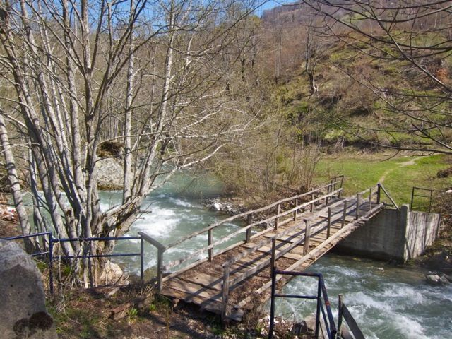Wooden foot bridge on the Tara river.