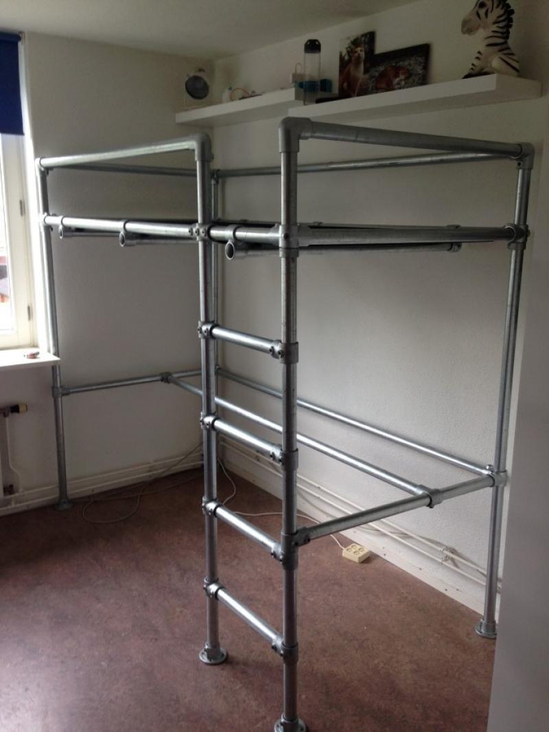 Space Saving Teens Bedroom Furniture: Bed Van Steigerbuizen - Voorbeelden
