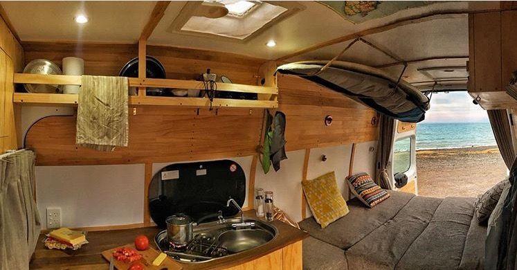 Foto Und Video Abendessen Bleib Ruhig Anhanger Camper Getranke The Van Om