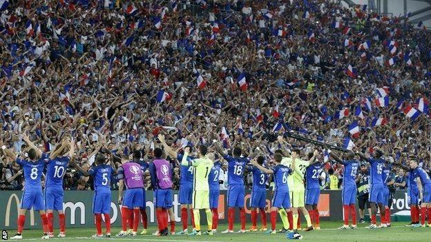 GetMotivatedNaija: FRANCE THRASH GERMANY 2-0 TO REACH FINAL
