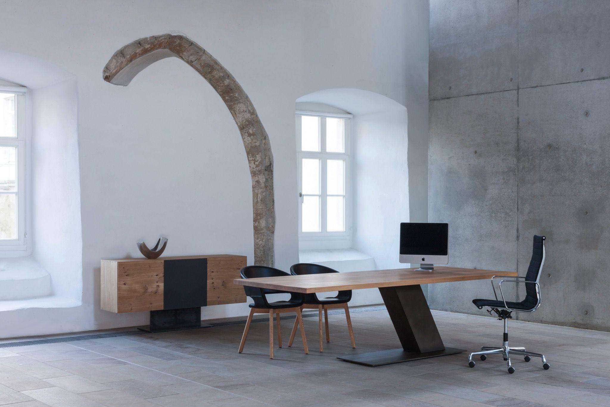 unsere konferenztische werden aus massivholz gefertigt exclusives und zeitloses design f r ein. Black Bedroom Furniture Sets. Home Design Ideas