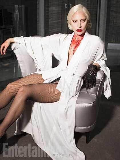 The Countess in White Robe This look of Countess Elizabeth in AHS Hotel is something that we will never forget. For AHS fans, for sure this has already marked in our minds which shows how fierce she is as her neck is covered with blood while seemingly showing pureness with a white robe. Well, she was able to deliver that message to the viewers and even if AHS Hotel is already over, we will always look at her as someone powerful, seductive and fashionable.