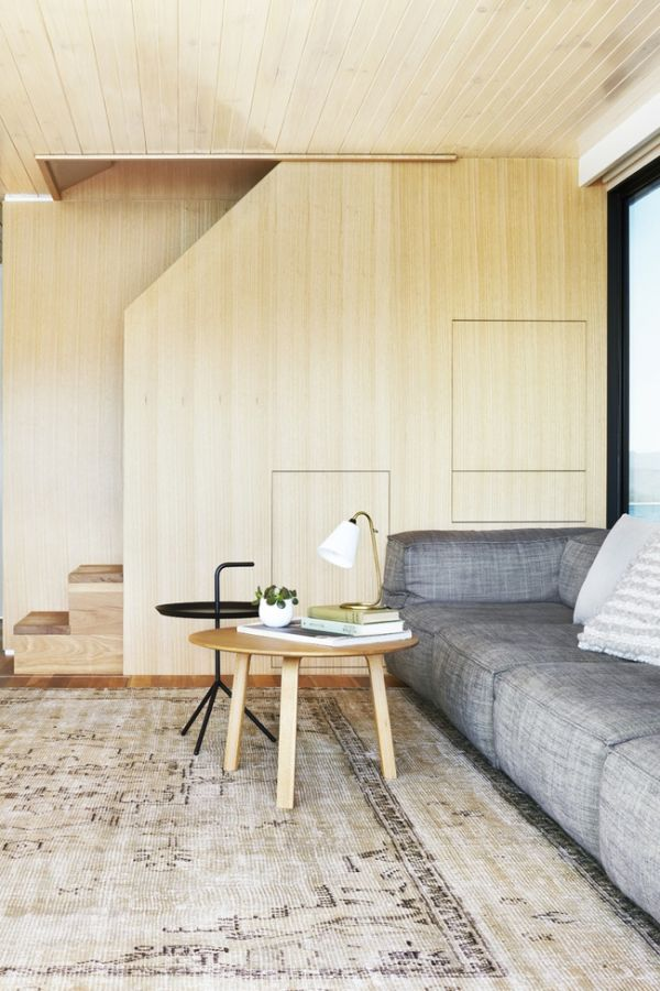 Contemporary houseboat on Lake Eildon Australia Contemporary