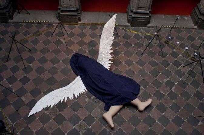 ANGELOLOGÍA: utopía y ángeles Ilya y Emilia Kabakov - Buscar con Google