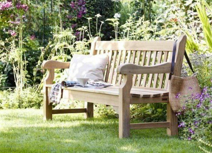 Voici nos exemples pour un banc de jardin. | Gardens
