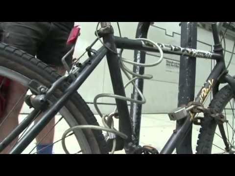 Legendary Bike Mechanic Hal Ruzal Shows You How He Secures His