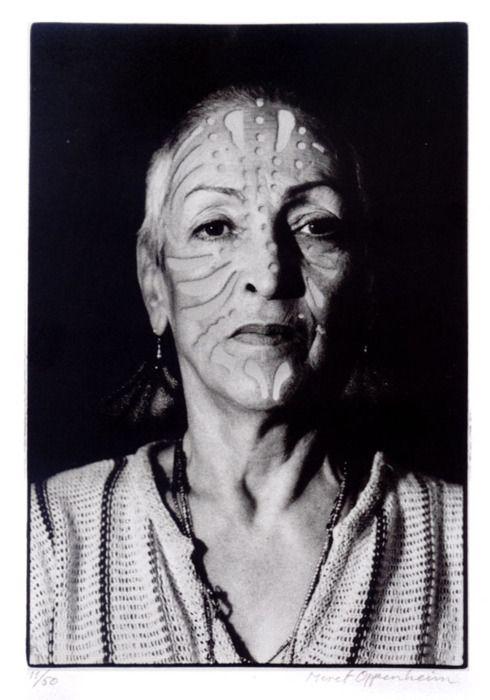 Meret Oppenheim Portrait Photo Mit Ttowierung June 1980