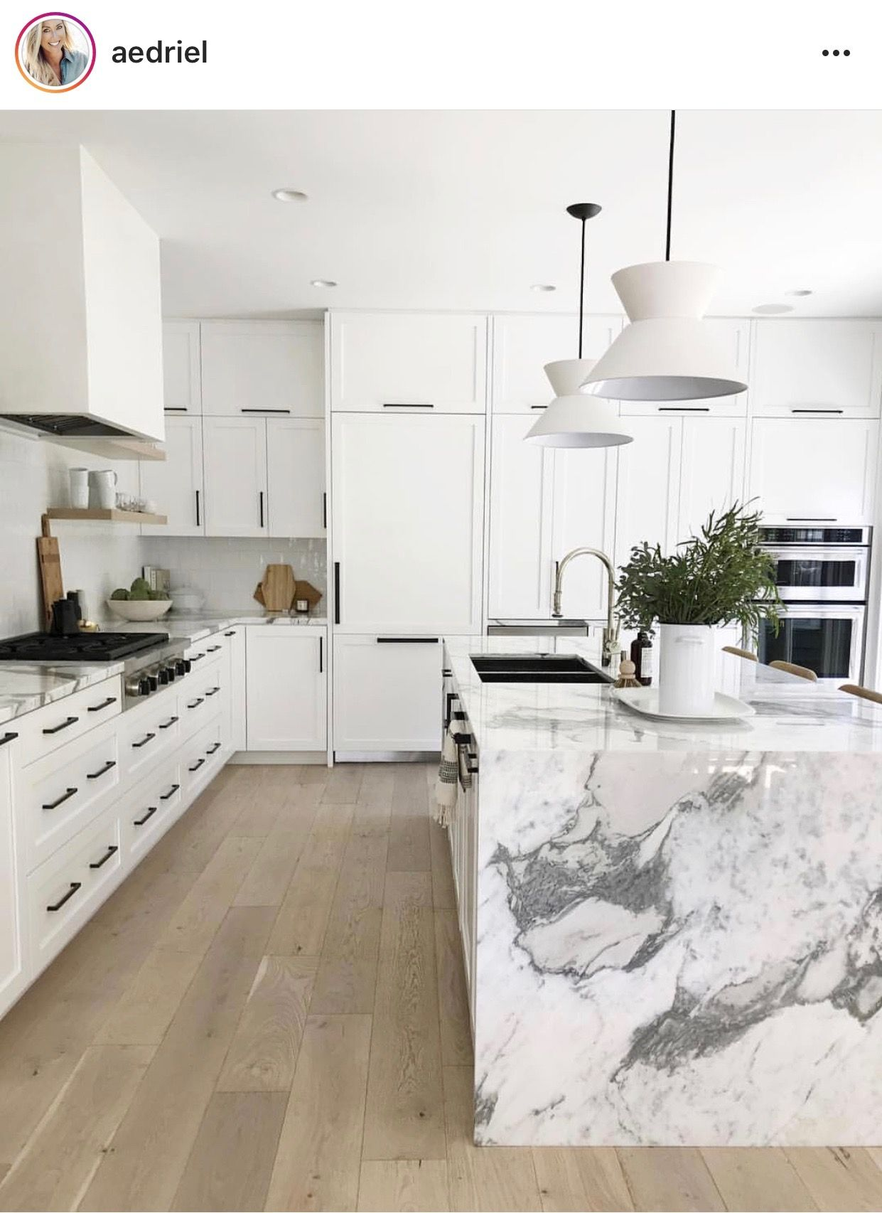 Modern Classic Kitchen White Kitchen Design Modern Kitchen Kitchen Design