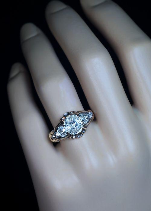 18k Gold 1.5 Ct Old Mine Cut Diamond Victorian Ring c1850.......