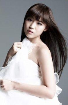 Washio Reina / 鷲尾 伶菜 [E-Girls - Flower]: Bias Vocalist (^___^) | 女性, 女の子, 鷲尾