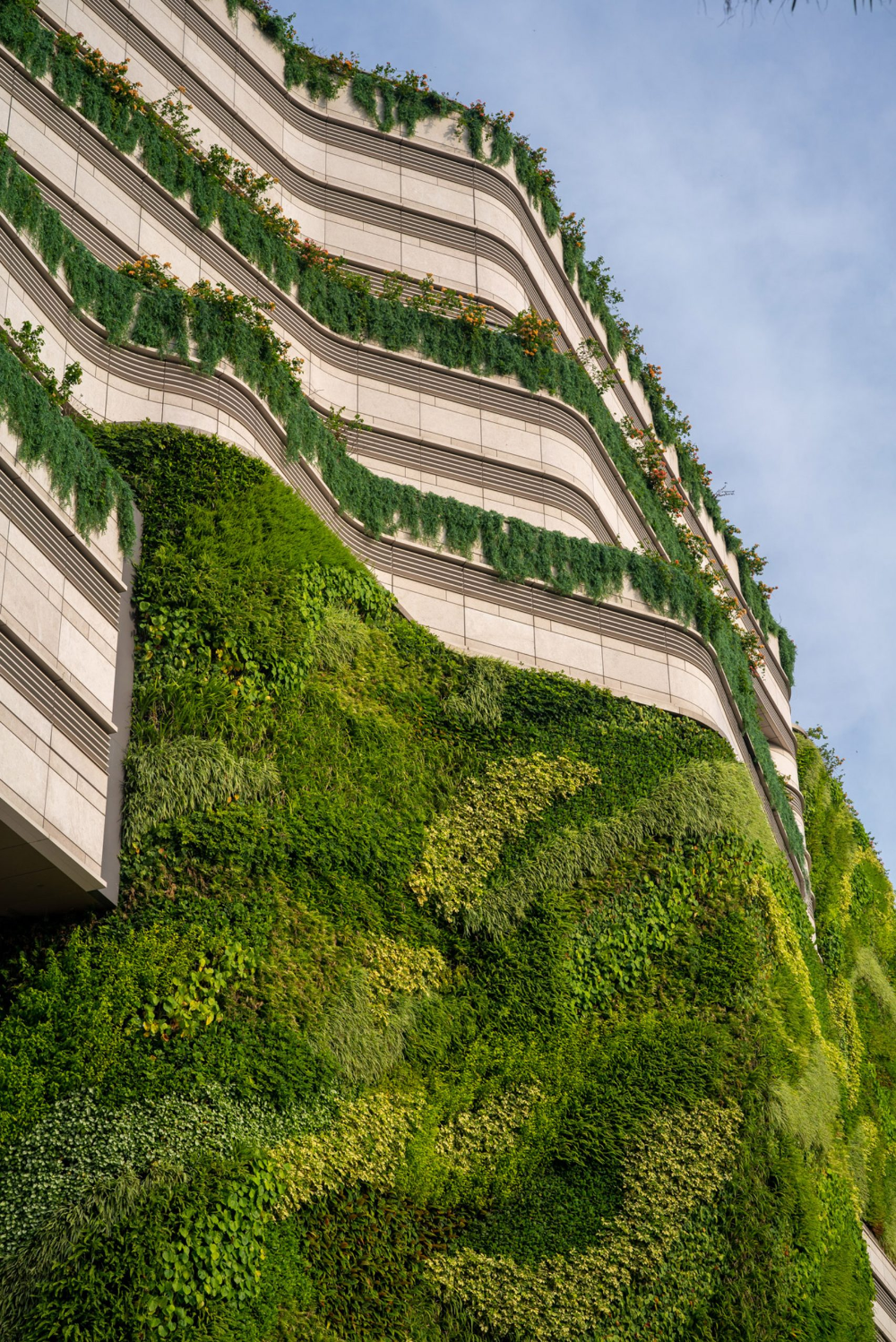 Living wall cascades down K11 Musea shopping centre in