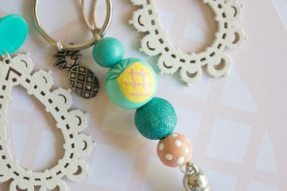 Pineapple Tropical Keyring Keychain Round Bead Wooden db40452bad
