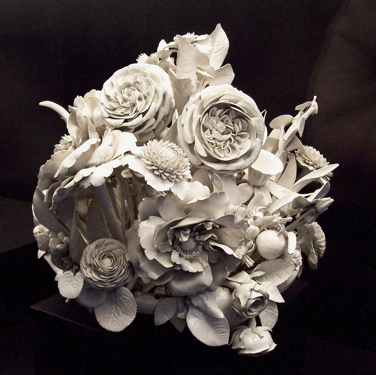 176084.Centro de flores (Porcelana Buen Retiro, MAN 1982