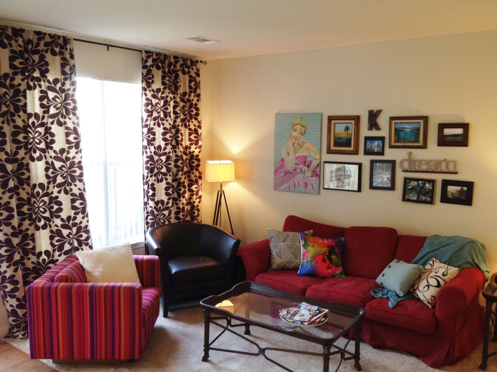 Pin Von Becky Montgomery Auf Red Couch Living Room Room Und
