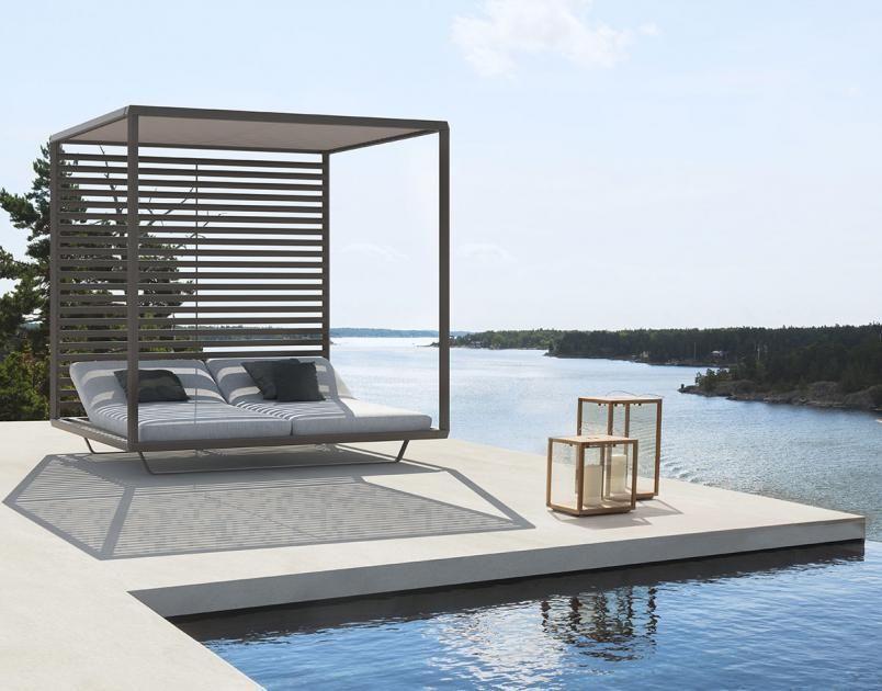 Deluxe Doppelliege In 2020 Modern Outdoor Furniture Modern Outdoor Sofas Outdoor Cabana