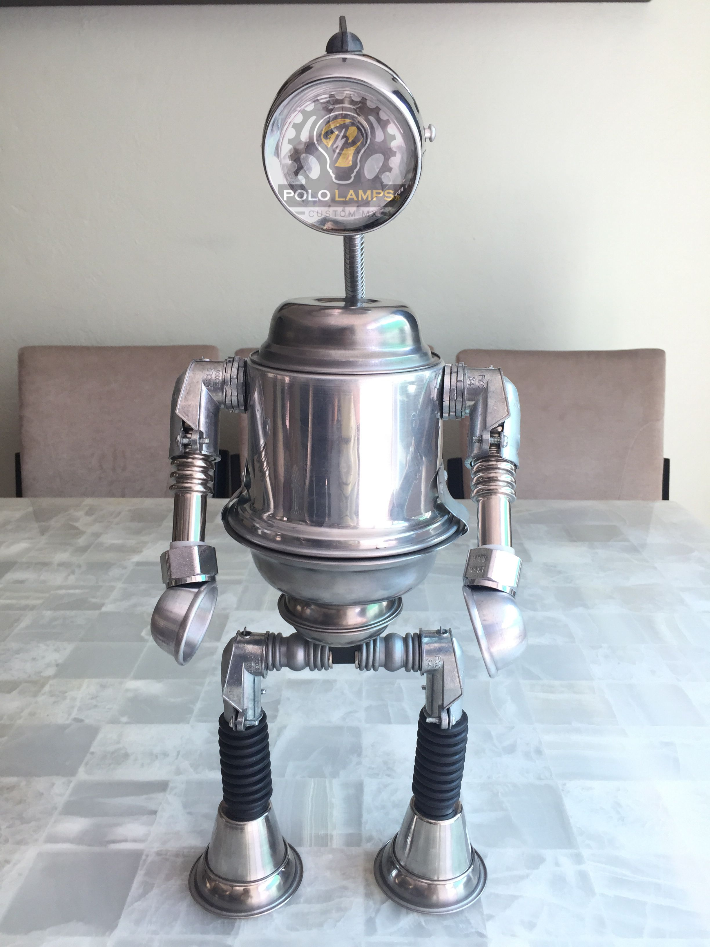 pin robot with usb outlet lamp