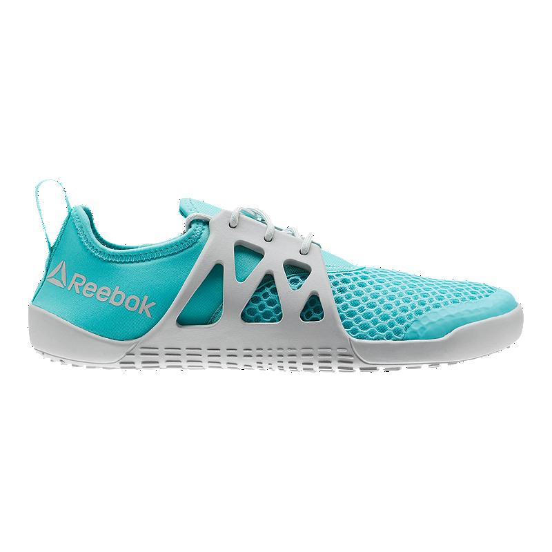 Water shoes women
