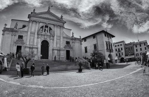 San daniele del friuli udine piazza duomo by fabio for Piazza del friuli