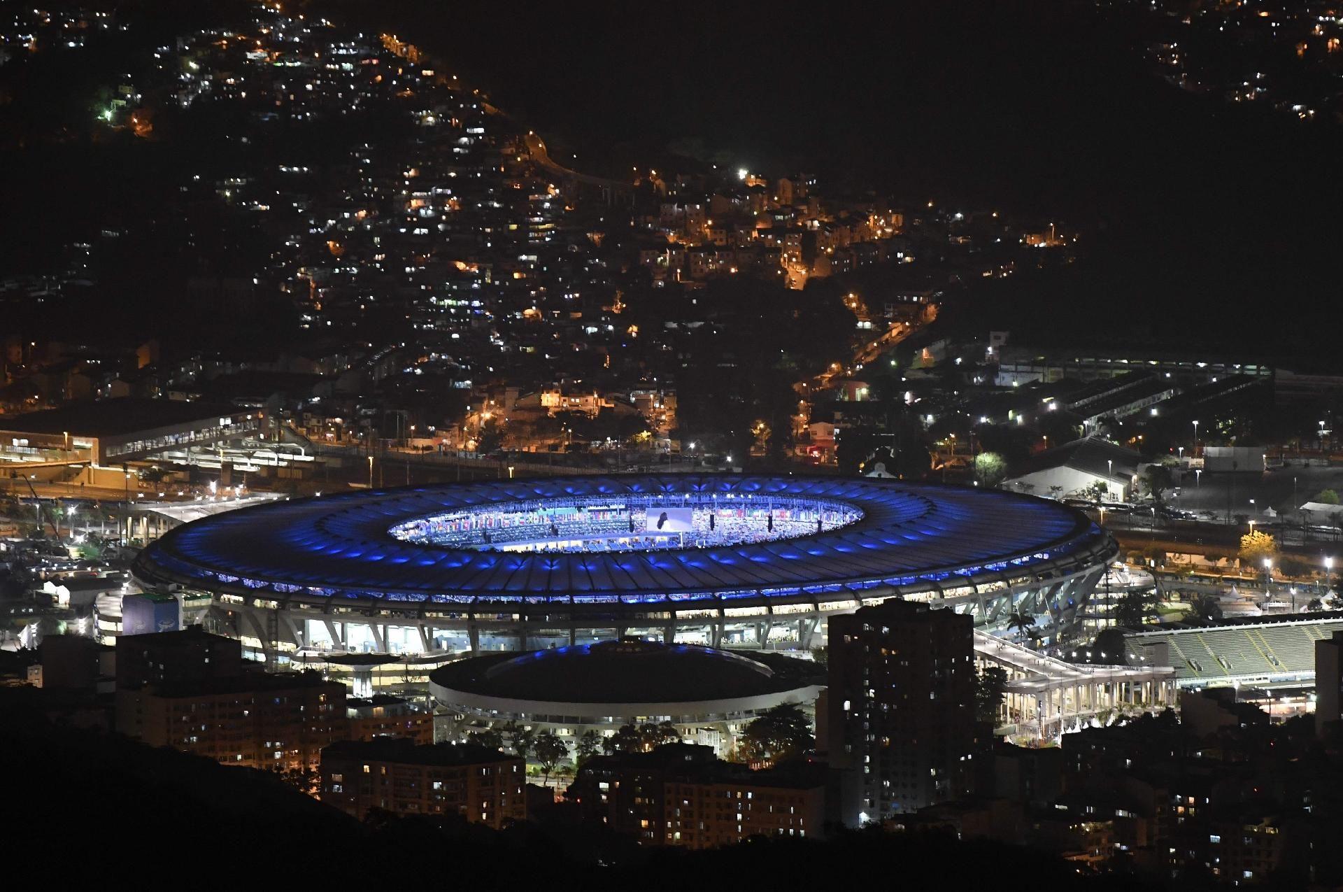 Cerimônia de abertura da Olimpíada - 5/8/2016 Imagem do Maracanã, momentos antes do início da cerimôniaimagem: DAMIEN MEYER/AFP