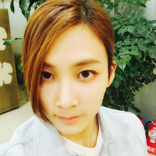 [150703] Kiss The Radio Instagram Update 여자보다 예쁜 정한! #부럽다 #다음생엔 #나도 #정한으로  #junghan