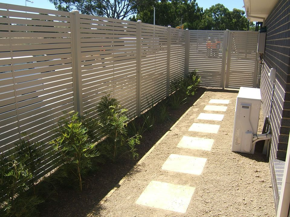 Aluminium chainwire colorbond tubular weldmesh glass picket slat fencing gallery fence - The tubular glass house ...