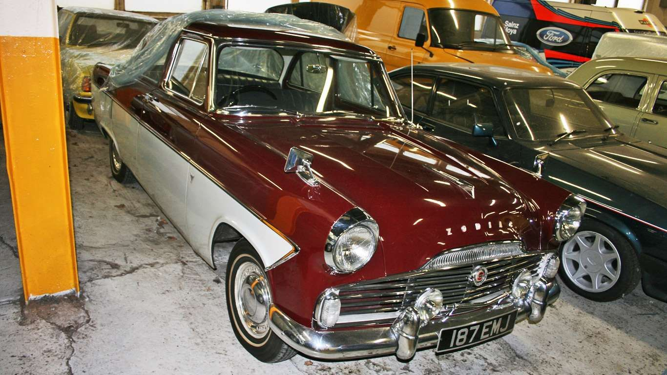 With Its Two Tone Paint And Plentiful Chrome The Mk2 Ford Zodiac Was Clearly Influenced By More Gla Motoring Researc Classic Cars Car Ford Car Collection