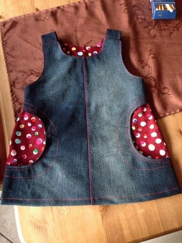 Photo of Kleid in Größe 110, Taschen sind leicht modifiziert …. aus der Zeit geschnitten …