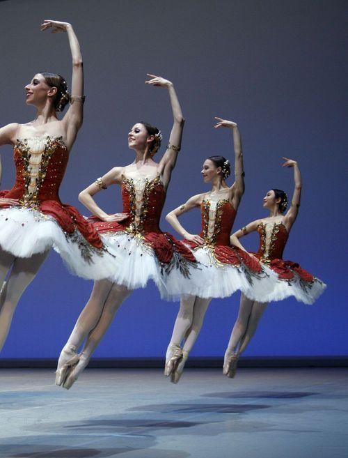 A precisão e a perfeição do balé!