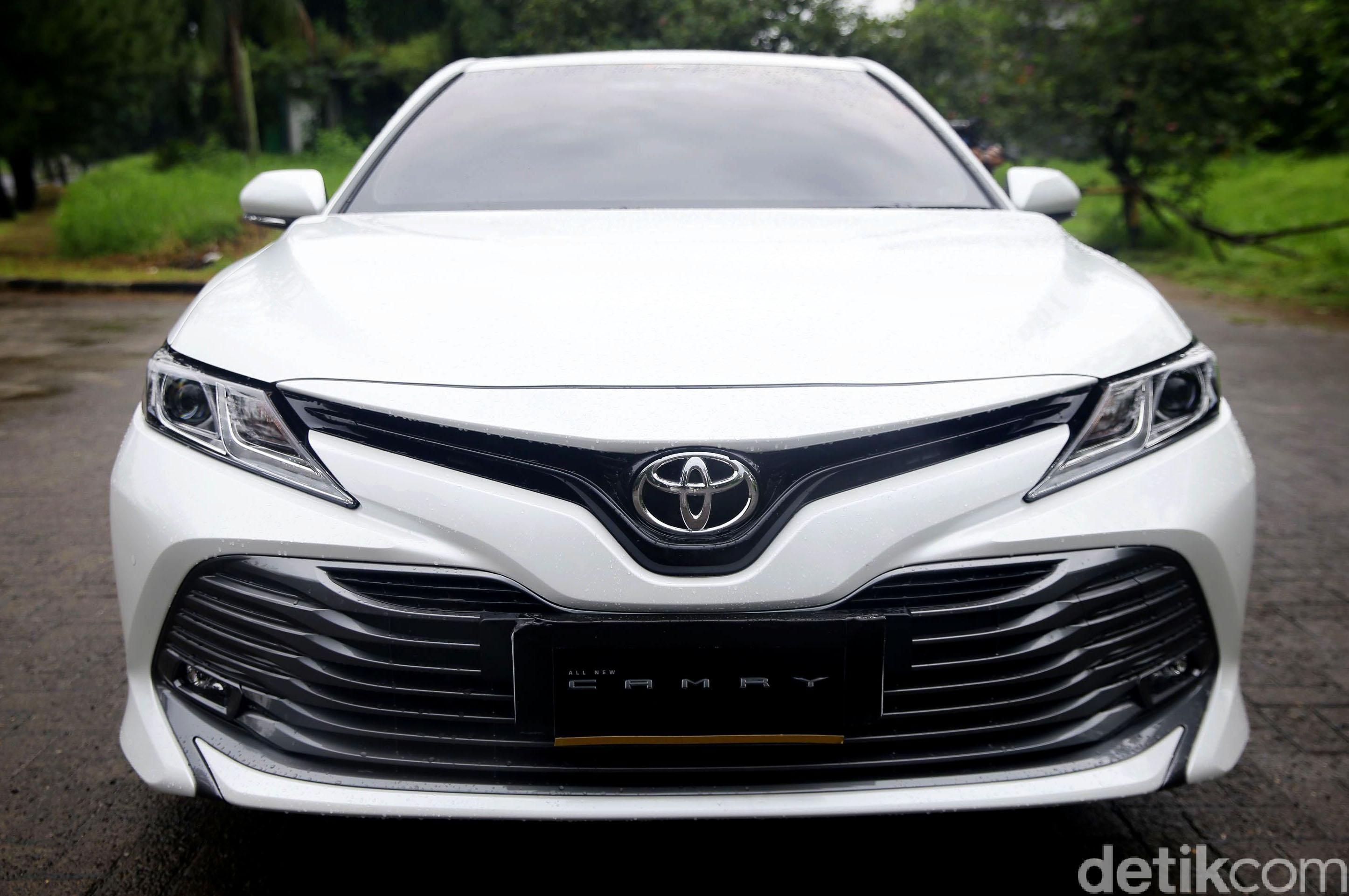 Penjualan Toyota Ketolong New Avanza Dan New Camry Toyota Bali Toyota Denpasar Promo Toyota Bali Toyota Land Cruiser Bali