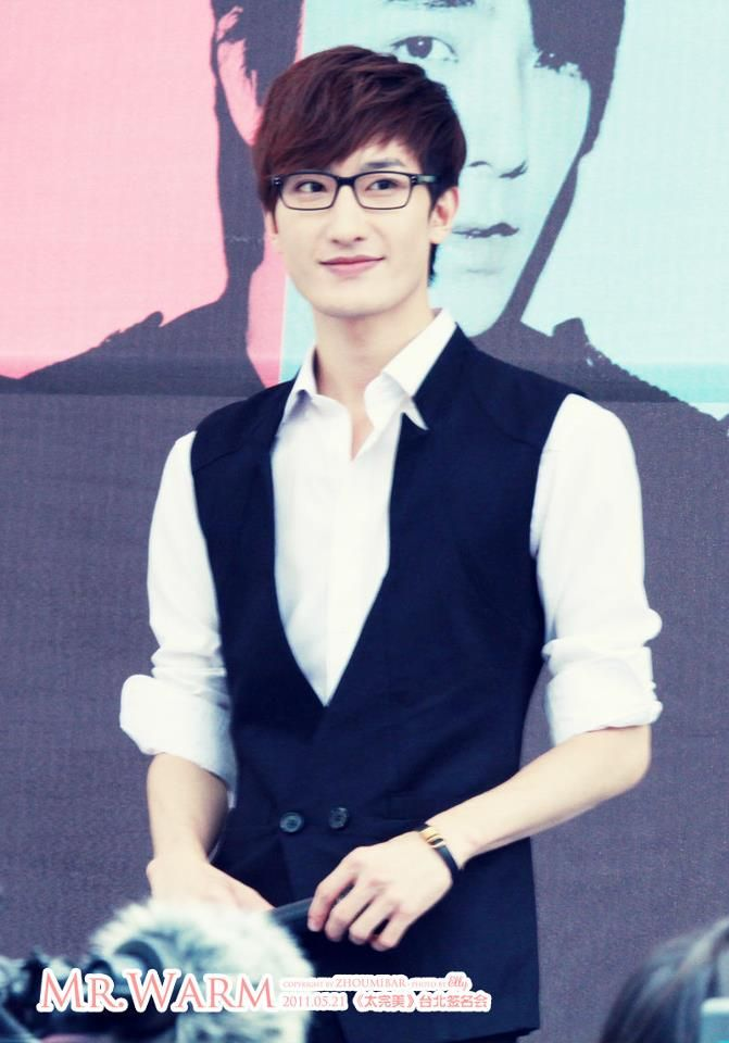 Zhou Mi - in which I thought he was just some tall chinese kid but then he took his shirt off and. well. WELL. safe to say, I'll be your fan until you hit middle age.
