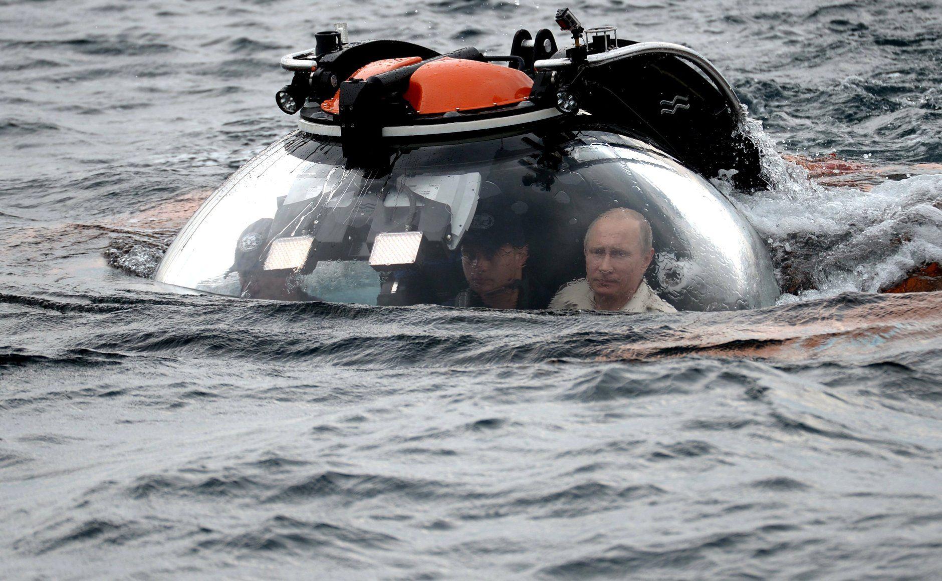 Nuclear War: Vladimir Putin Updating Doomsday Plane In Terrifying Pace! - http://www.morningnewsusa.com/nuclear-war-vladimir-putin-updating-doomsday-plane-terrifying-pace-2394458.html