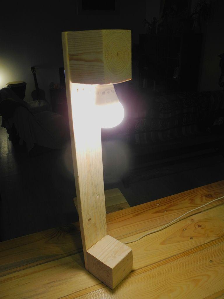 lampe en palette 1 avec interrupteur douille lectrique e14 55 cm de haut palettes addict en. Black Bedroom Furniture Sets. Home Design Ideas
