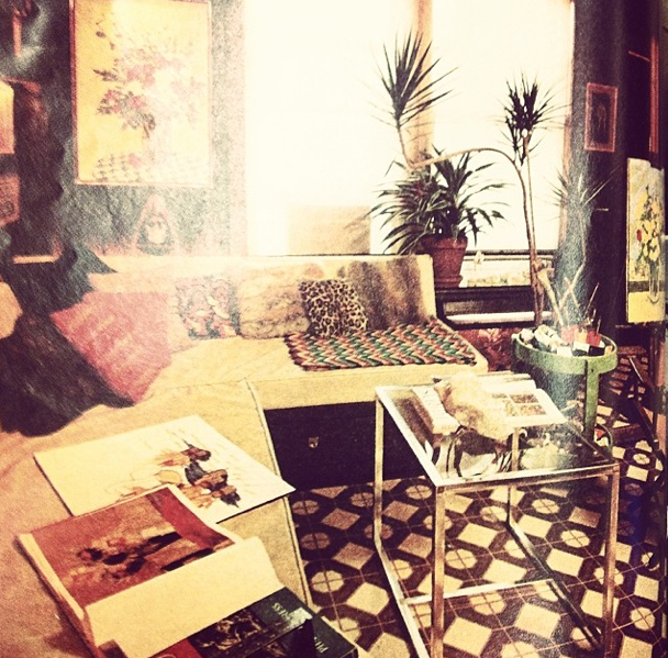 Can You Guess the Year? A Vintage House Beautiful Photo of a Maximalist Living Room  - HouseBeautiful.com