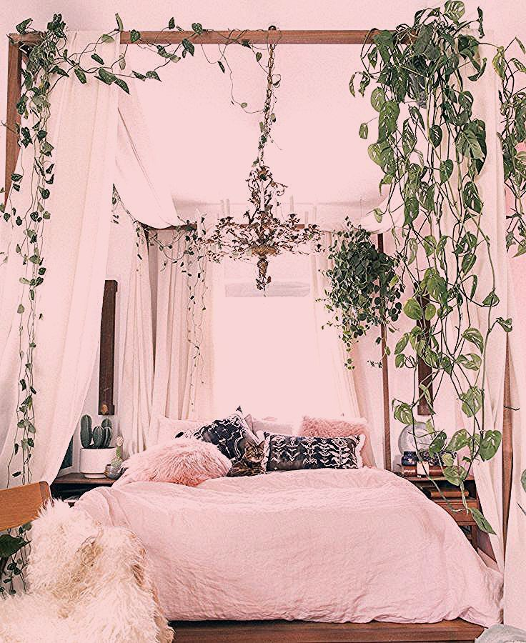 Small-Space Decor Tips From This Gorgeous Boho Apartment | Domino