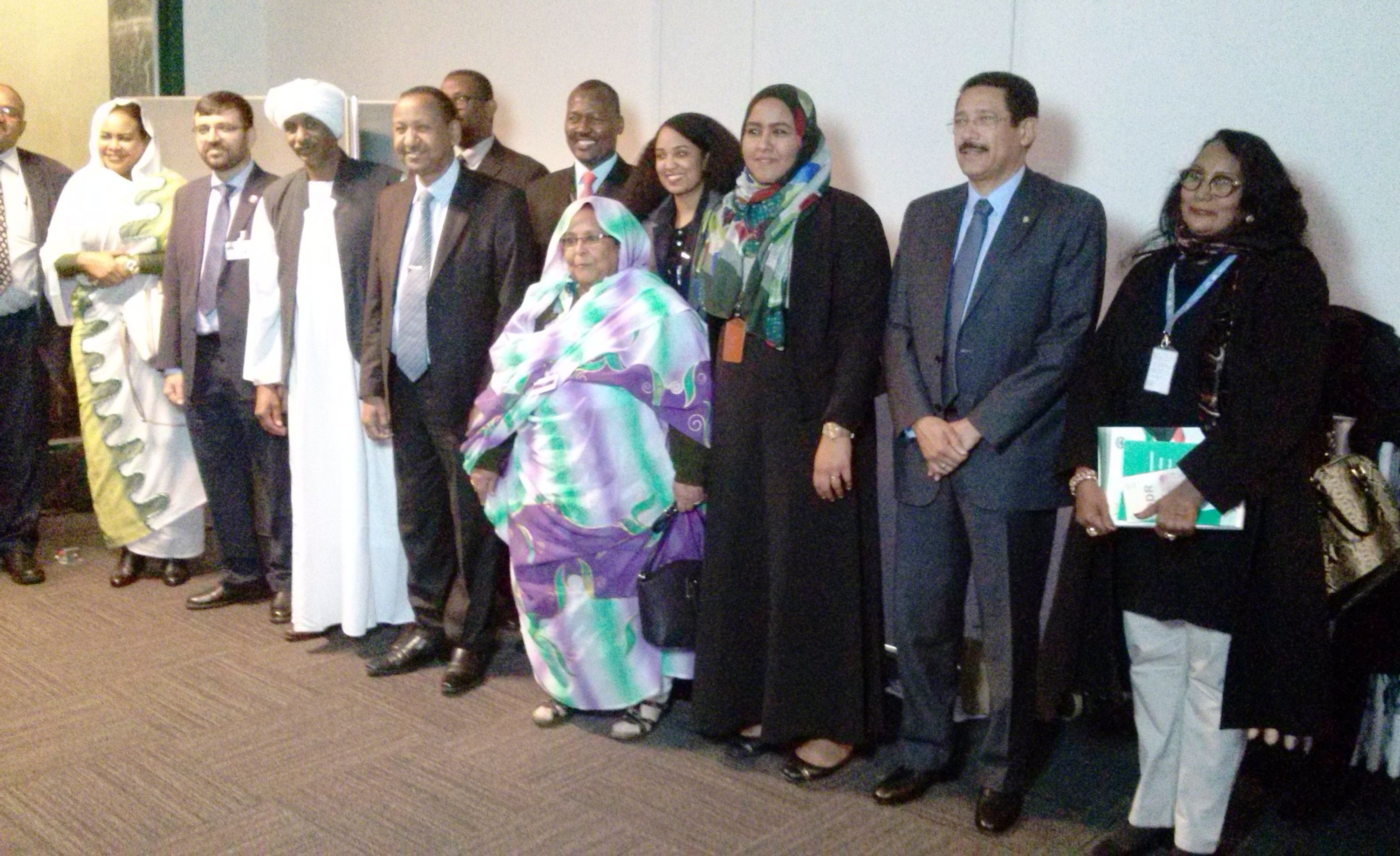 بالصور: إتفاق الشرق في أسبوع السلام الدولي بجنيف