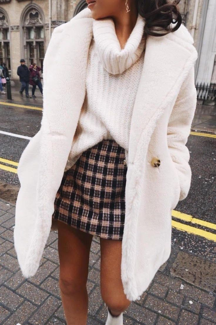 You Will Fall In Love With This White Chic Coat This Dress Coat Can Be Worn In So Many Ways To So Many Diffe Winter Fashion Outfits Fashion Fall Fashion Coats [ 1102 x 735 Pixel ]
