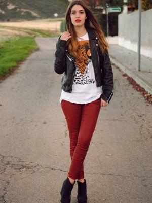 Outfit con combina botines negros de zara con jeans grises
