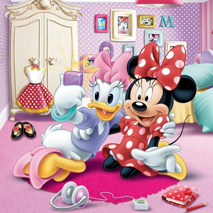 Disney Minnie /& Daisy Selfie Pin