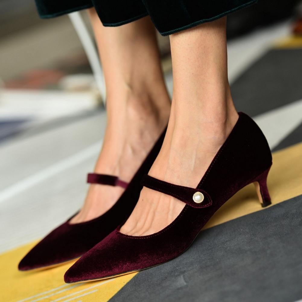 Pointed Toe Kitten Heel Shoes In 2020 Kitten Heel Shoes Kitten Heels Heels
